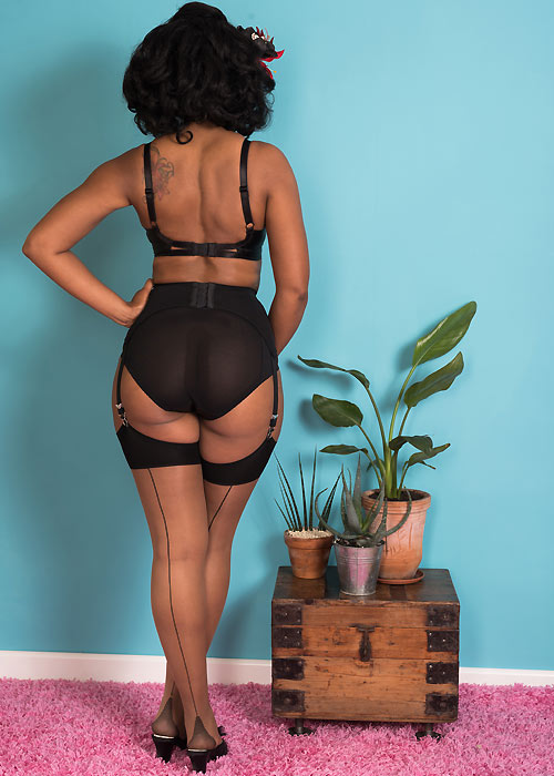What Katie Did Glamour Contrast Seamed Stockings Nutmeg Black