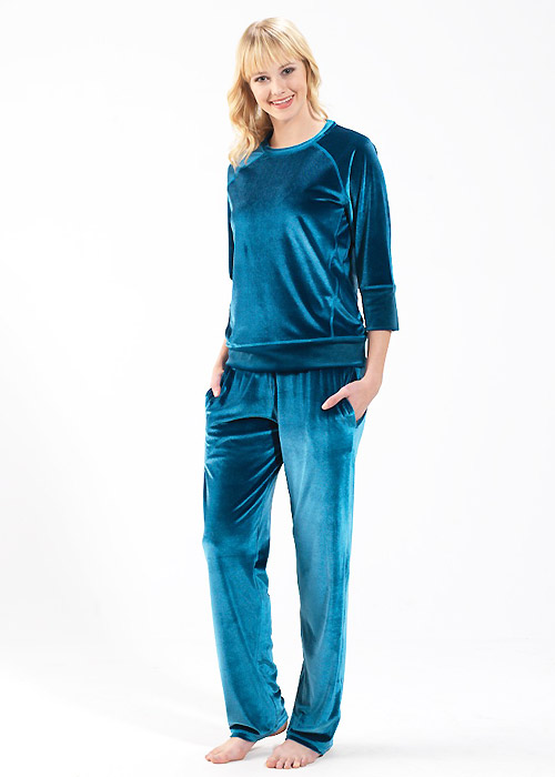 Blackspade Velvet Round Neck Pyjama Set
