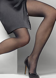 Le Bourget Heritage Luxe 30 Denier Tights Zoom 2