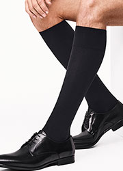 Wolford Cotton Velvet Mens Knee Socks Zoom 2